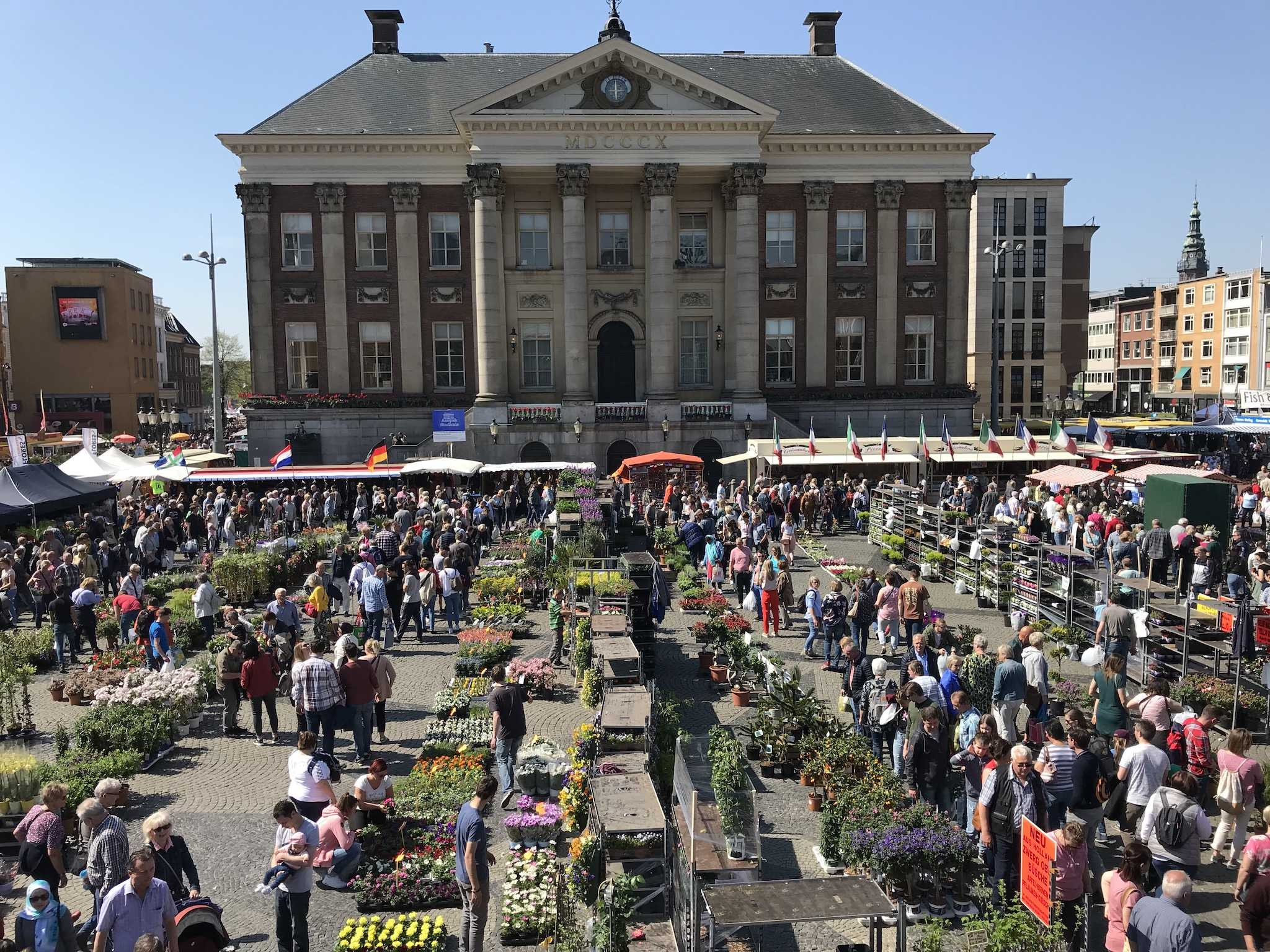 Groningen Grote Markt Karfreitag Blumenmarkt