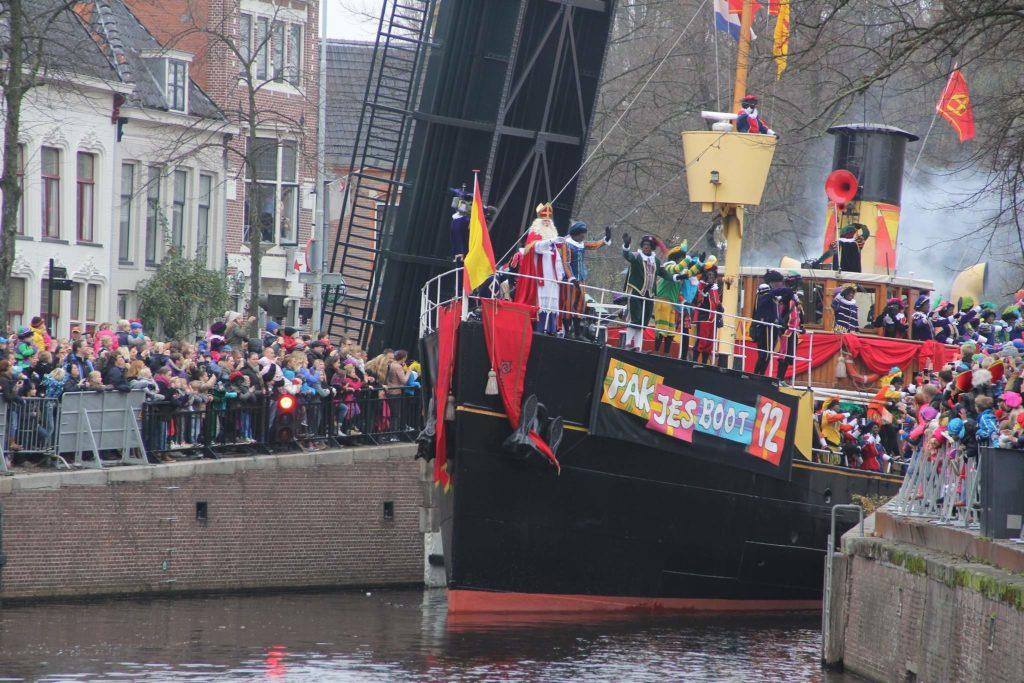 Groningen - Intocht - Sinterklaas 2013